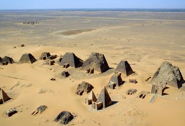 Nubia.Sudan.Meroe.Pyramids.