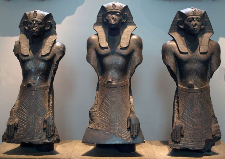 Senusret III 12th Dynasty. triad statue. Middle Kingdom Egypt.. ( the British Museum )